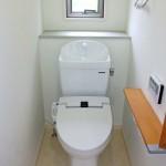 トイレ横すべり窓画像