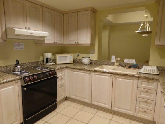 U型(コの字型)キッチン間取りは、使いやすい画像