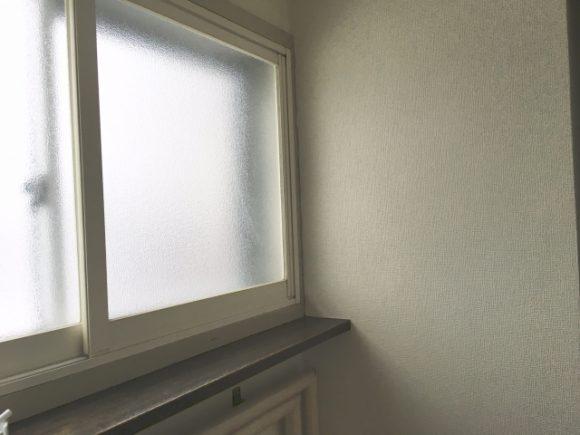 二重窓にホッとする画像